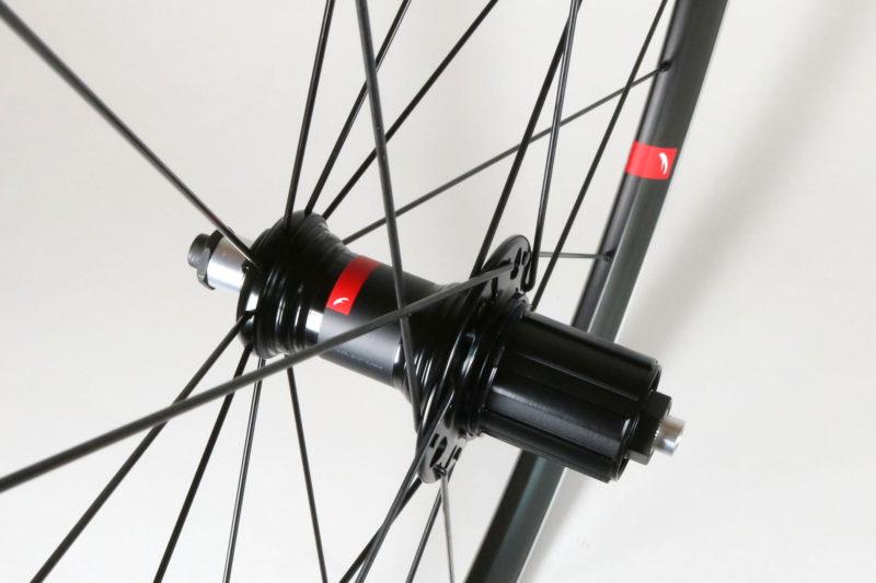 Racing6-rear-hub