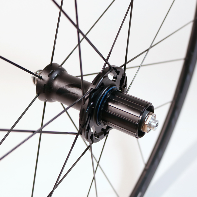 Racing3_C17-rear-hub