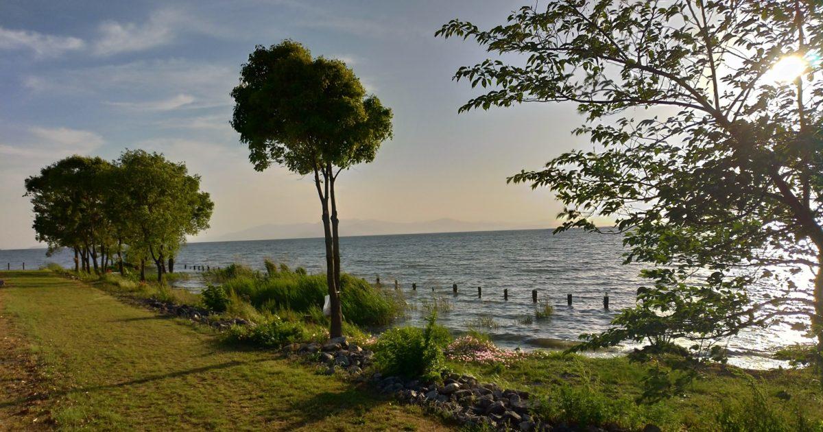 びわ湖の夕方